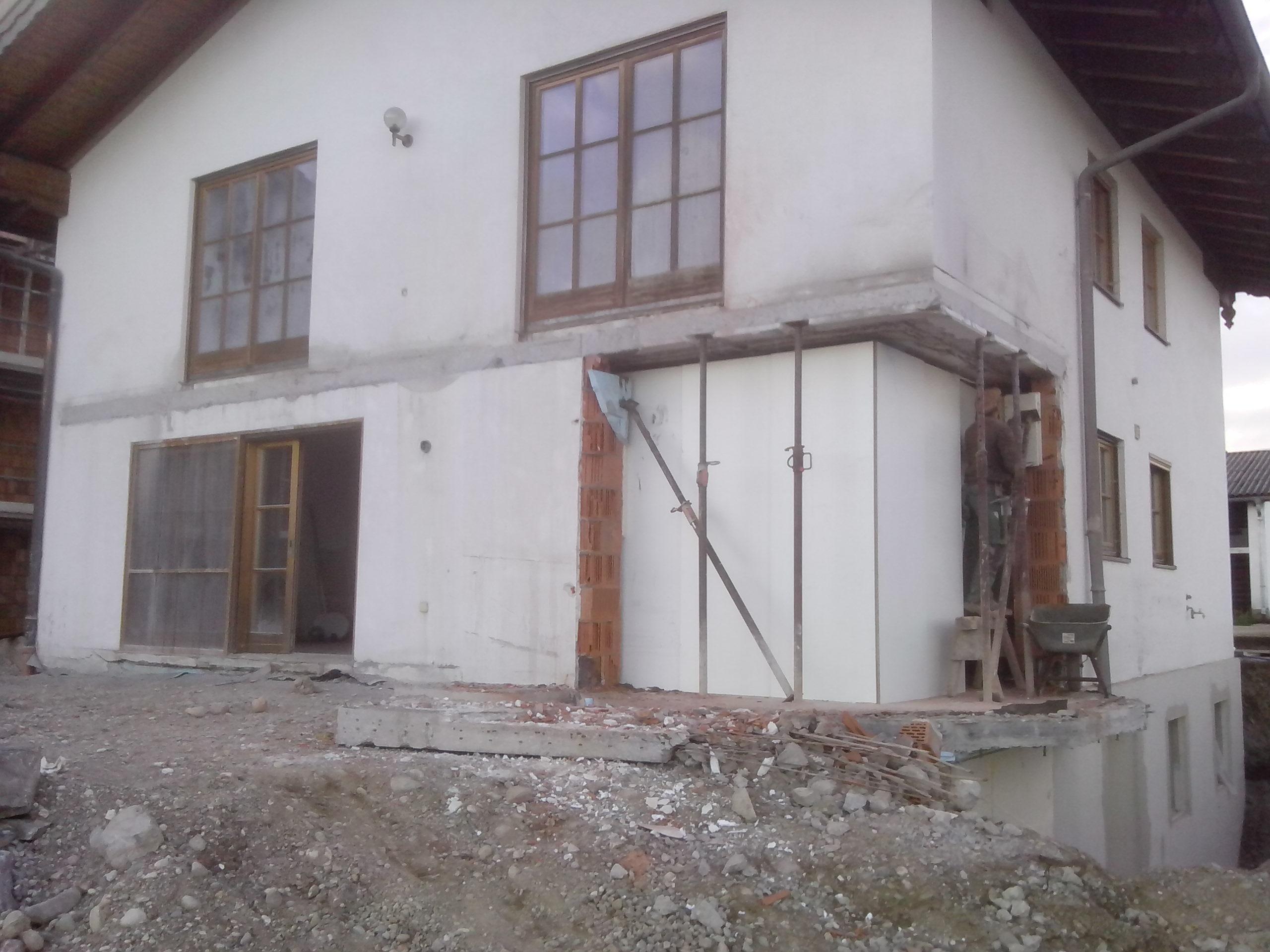 Balkon und Erker - abbruch Wohnhaus Pelham